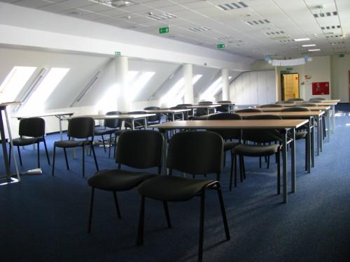 Aranżacja Krzesła Clear - Wynajem mebli biurowych