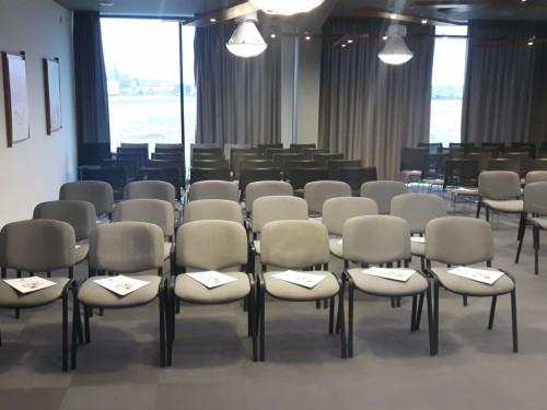 Aranżacja Krzesła Clear II - Wynajem mebli biurowych